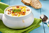 zupa serowa z grzankami z kremowymi serkami Hochland w bloczku